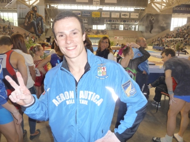 Paolo Ottavi firma con il sorriso la gioia della vittoria